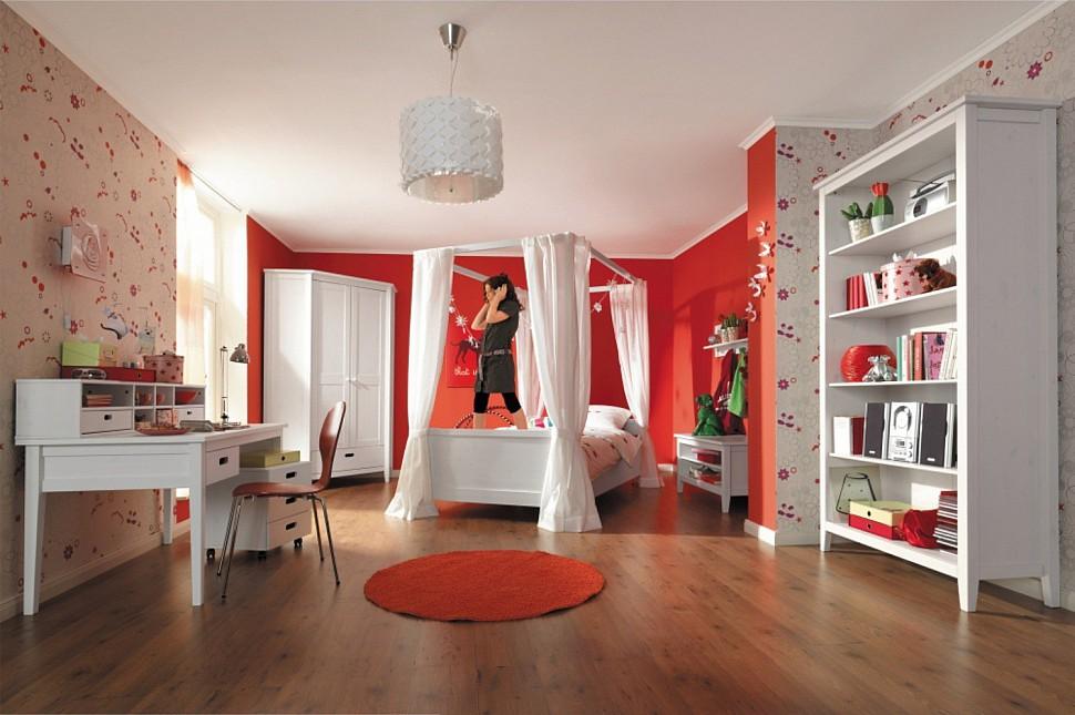 Комната для девочки подростка из массива сосны Сиело