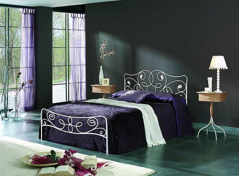 Кованная кровать фирмы Dupen