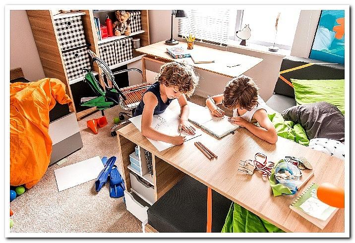 Стол письменный с ящиками на колесиках фото