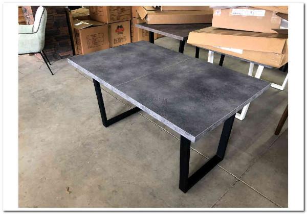 стол бетон кухонный